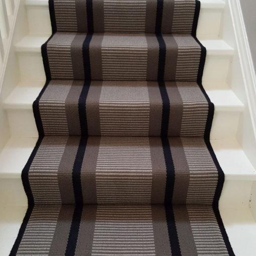 Tapis d'escalier tissé plat, Stripes. Transat Grey PNT 21